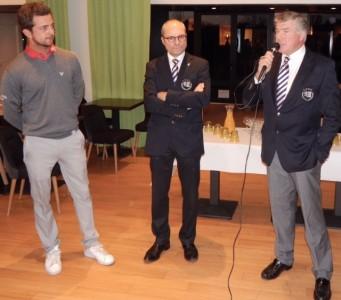Il a été honoré par  son club formateur. Ici en présence de Philippe Bollard président de la SA et Pascal  Sordet président de l'AS - Photo Golf Rhône-Alpes Magazine