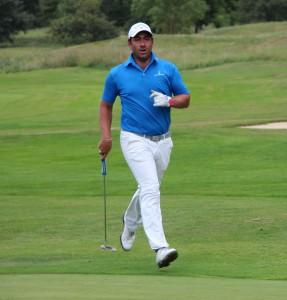 Le pro Germain Ruste en pleine action -©A. Prost / Golf Rhône-Alpes Magazine