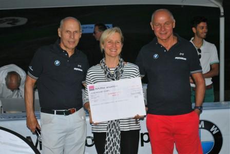 BMW Golf Cup à Bresson: le chèque pour l'association Coeur vers Corps