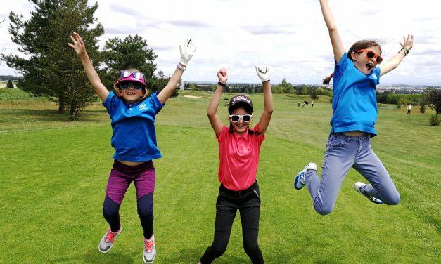 Une partie de golf entre copines